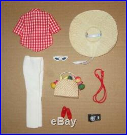 Japanese Exclusive FRANCIE Picnic Outfit #2206 Red and White Version