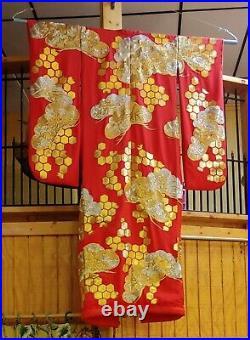 VTG UCHIKAKE KIMONOFurisode RED Wedding FORMAL JAPANESE SILK HEAVY EMBROIDERY