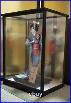 Vintage Japanese Geisha doll in Kimono 17 on wooden base in glass case 21 MINT