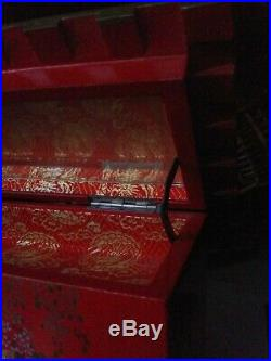 Vintage Red Laquer Japanese Pagoda Musical Jewelry Box