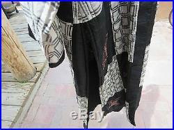 Vintage Silk Kimono Style Robe Black White Red Geometric Clothes Unknown